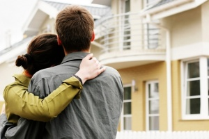 young adults renting an apartment in chicago suburbs