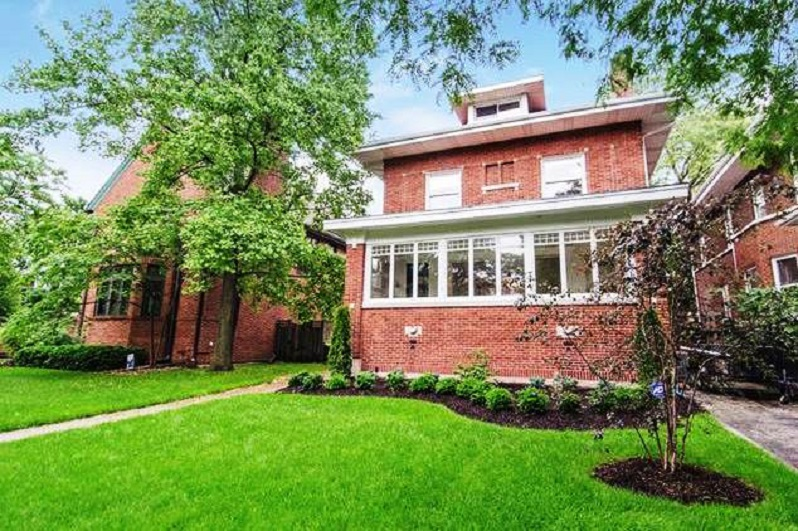 House for sale built in 1912 at 1107 West ALBION Avenue in Rogers Park Chicago via Point2Homes