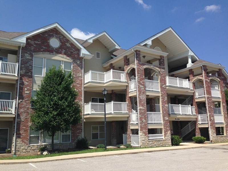 Celtic Crossing Apartments for rent in St. Peters, MO