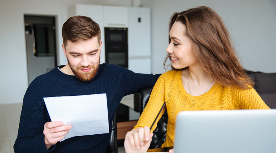 couple_renters_check_total_utilities