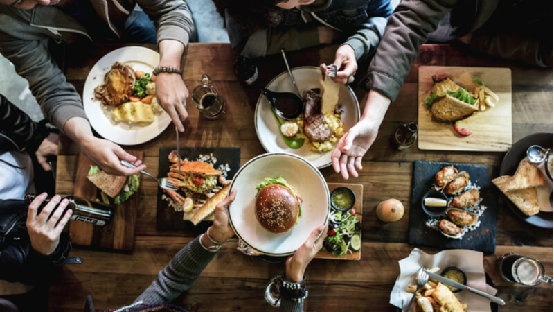 friends_eating_out_restaurant_costs