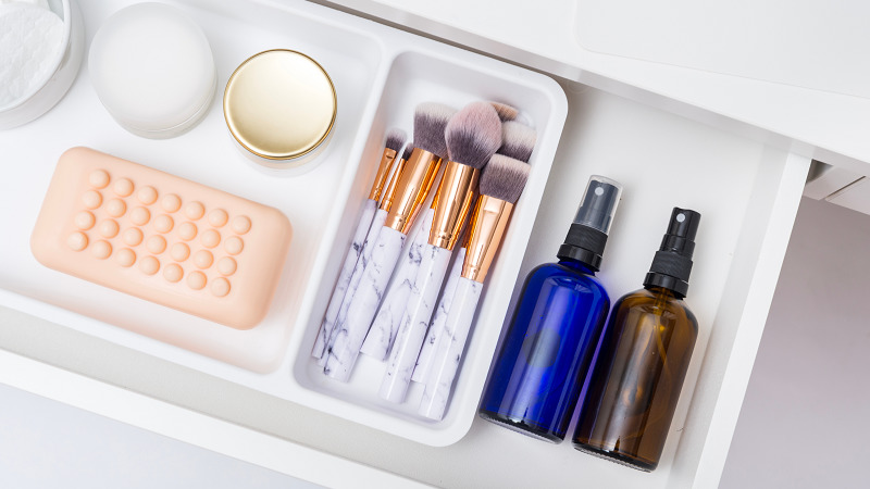 bathroom organization and decluttering