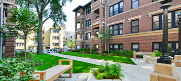 West-Lakeview Chicago Apartments
