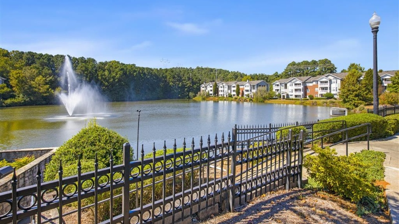 Lakeside at Town Center Apartments