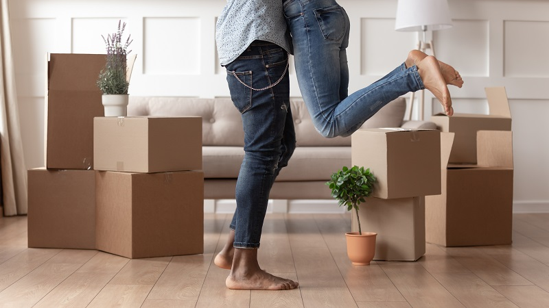 moving out of state condo couple