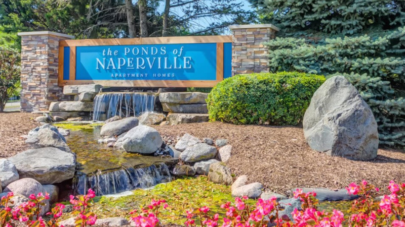 The ponds of Naperville Apartments